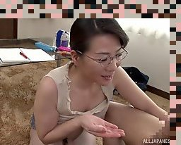asian handjob cumshot